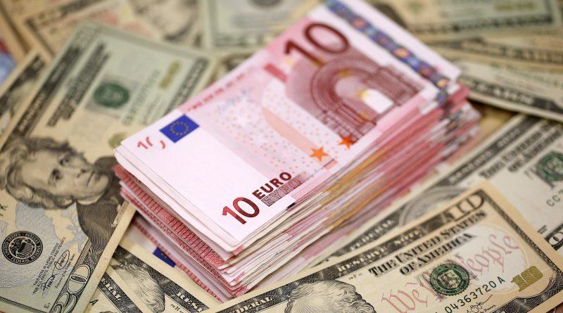 Euro Ve Dolar Yatırımcıları Yeni Rekoru Gördü!